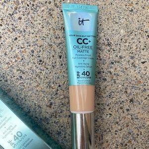 It Cosmetics Matte CC cream -shade MEDIUM